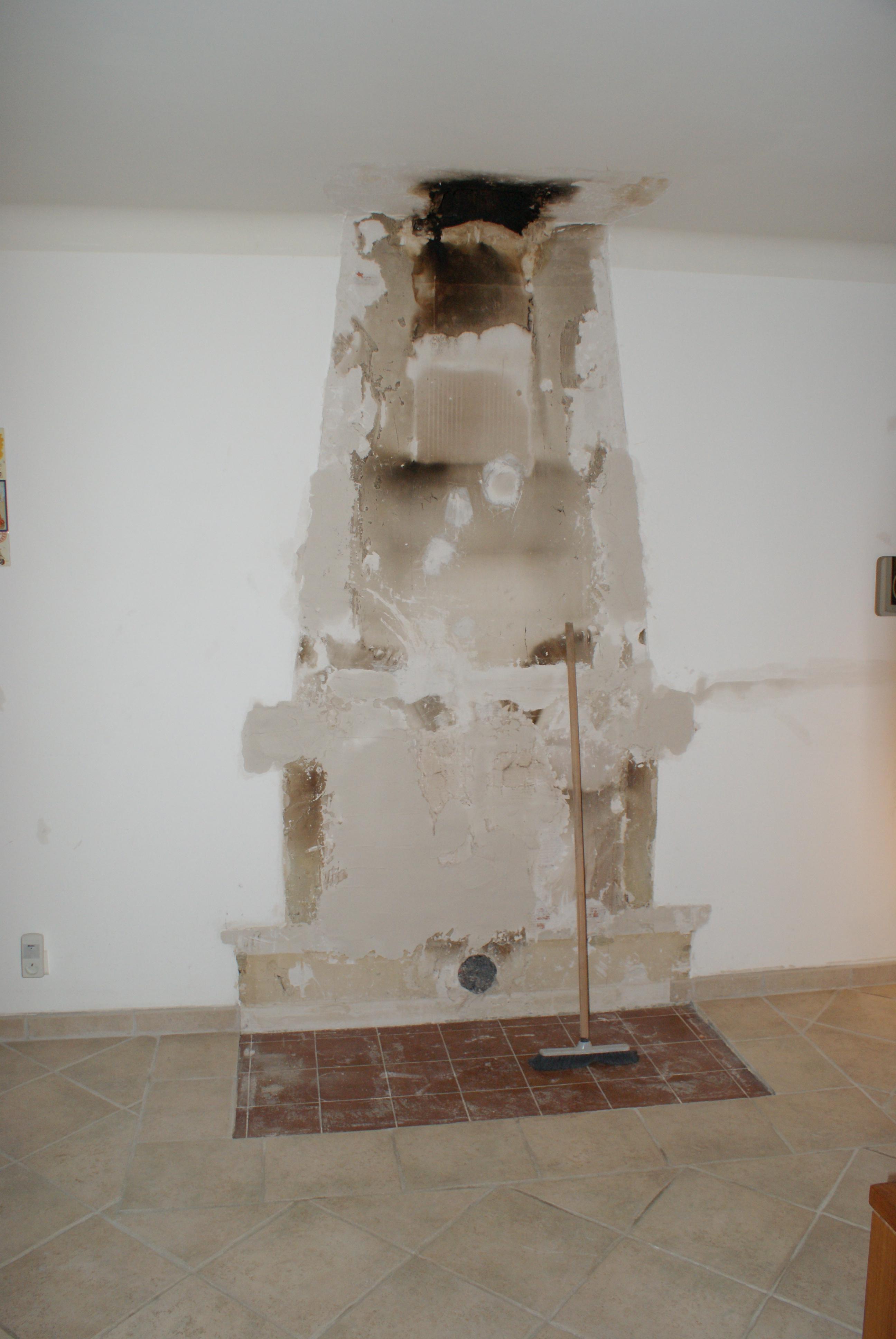 Démolition de l'ancienne cheminée